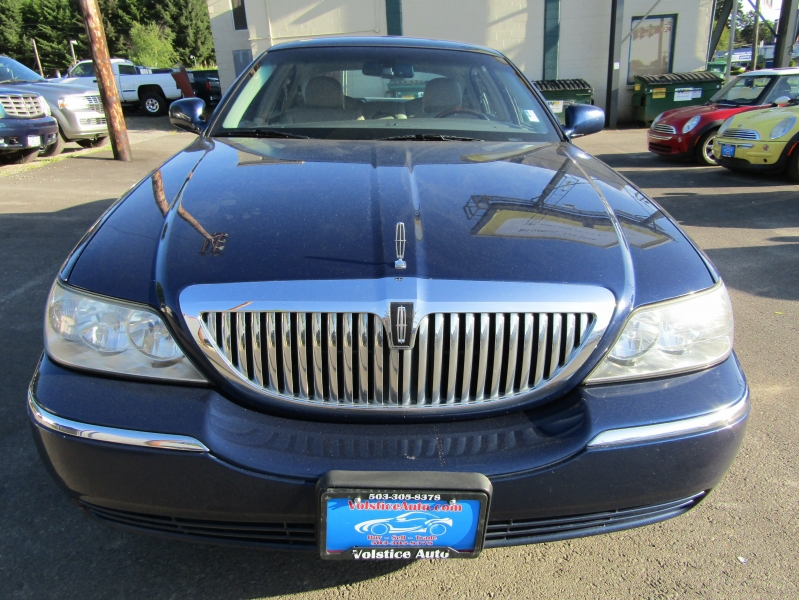 Lincoln Town Car 2009 price $5,477