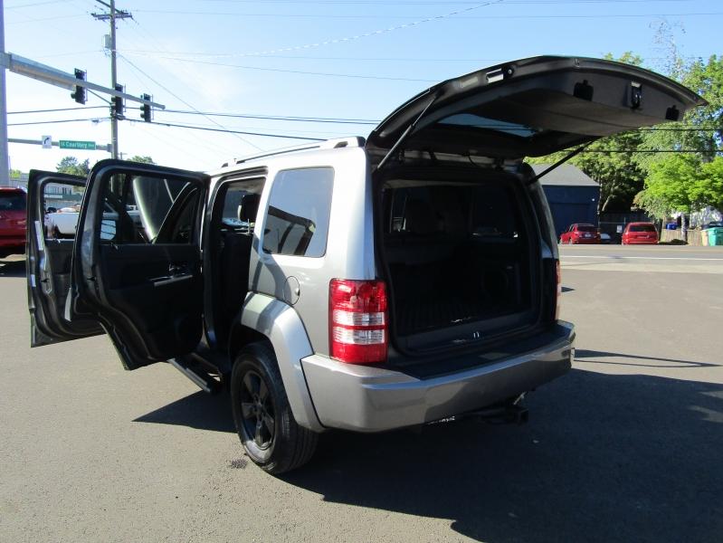 Jeep Liberty 2012 price $9,977