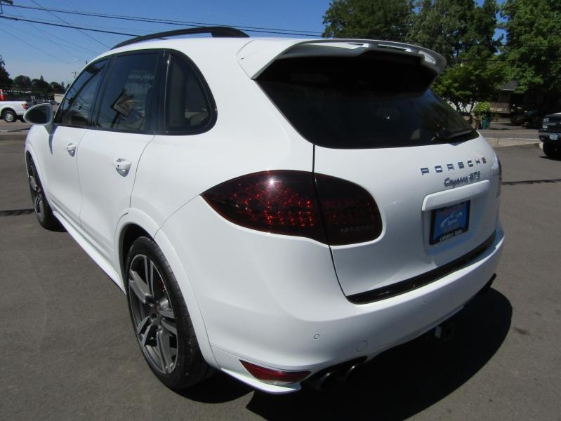 Porsche Cayenne 2013 price $33,977