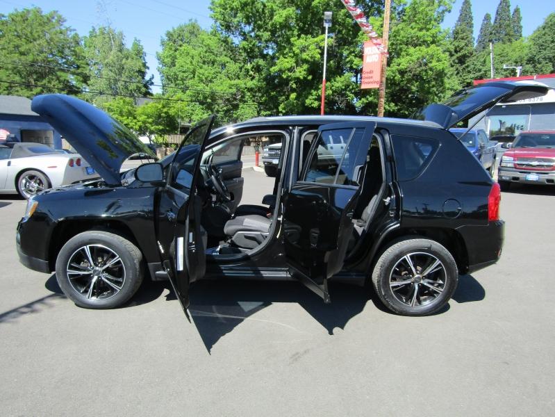 Jeep Compass 2012 price $8,977