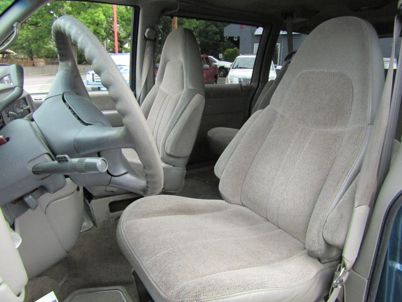 Chevrolet Astro 1999 price $7,977