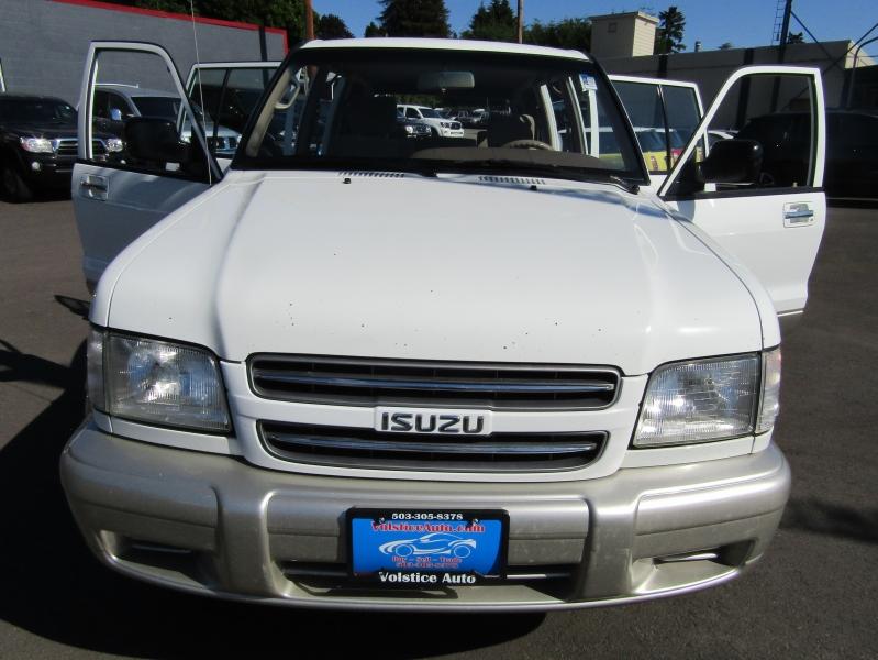 Isuzu Trooper 2000 price $6,977