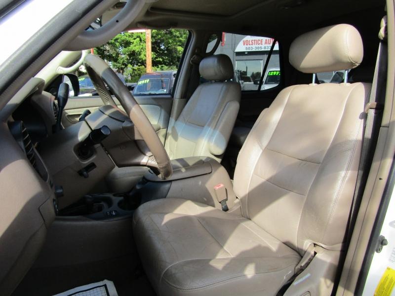Toyota Sequoia 2002 price $8,977