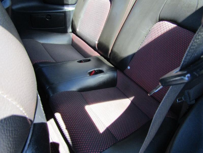 Hyundai Triburon 2005 price $6,977