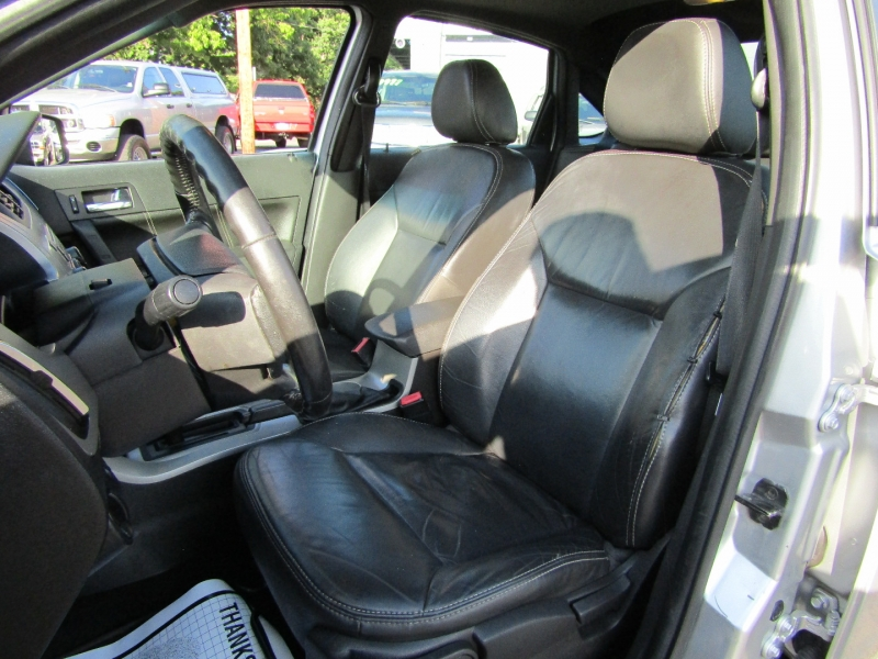 Ford Focus 2010 price $2,977