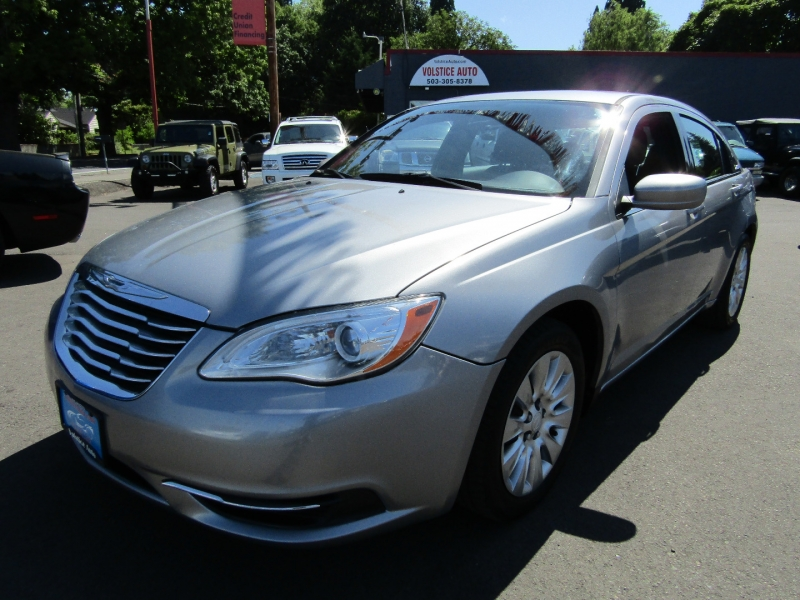 Chrysler 200-Series 2013 price $5,977