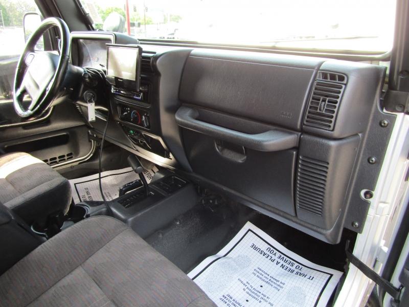 Jeep Wrangler 2004 price $16,977