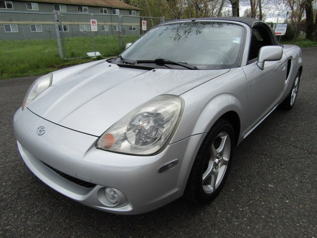 2003 Toyota MR 2