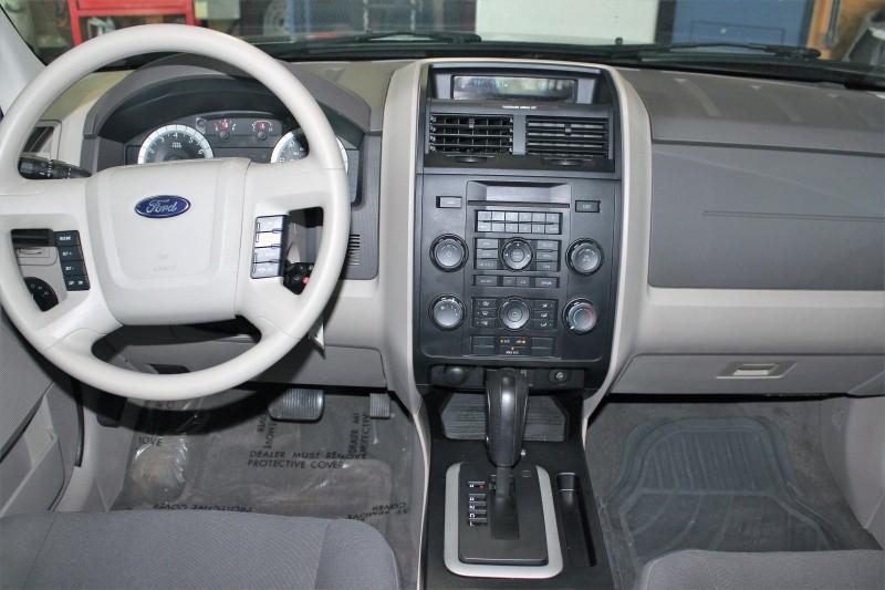 Ford Escape 2009 price $5,500 Cash Plus Tax T&L