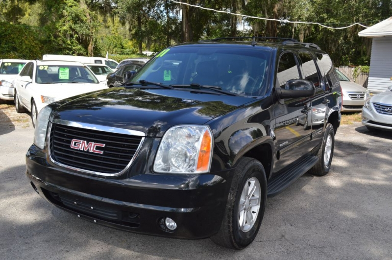 GMC YUKON 2011 price $13,995