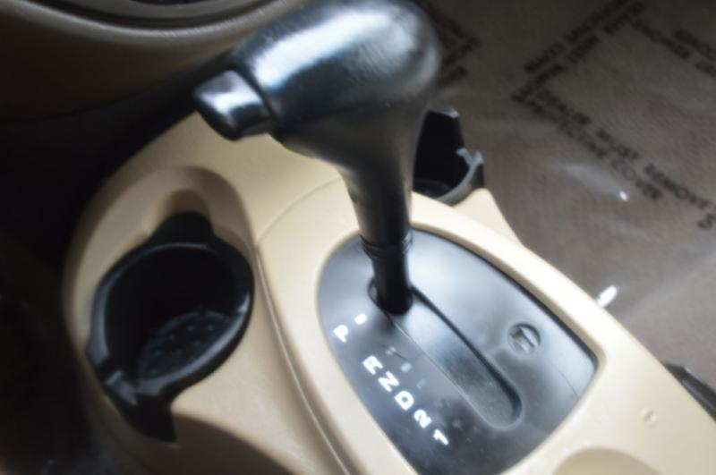 FORD FOCUS 2004 price $2,295
