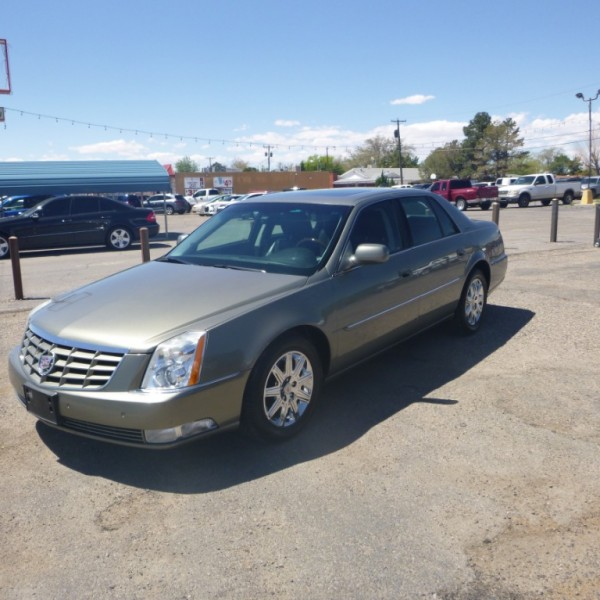 Cadillac DTS 2011 price 11,950