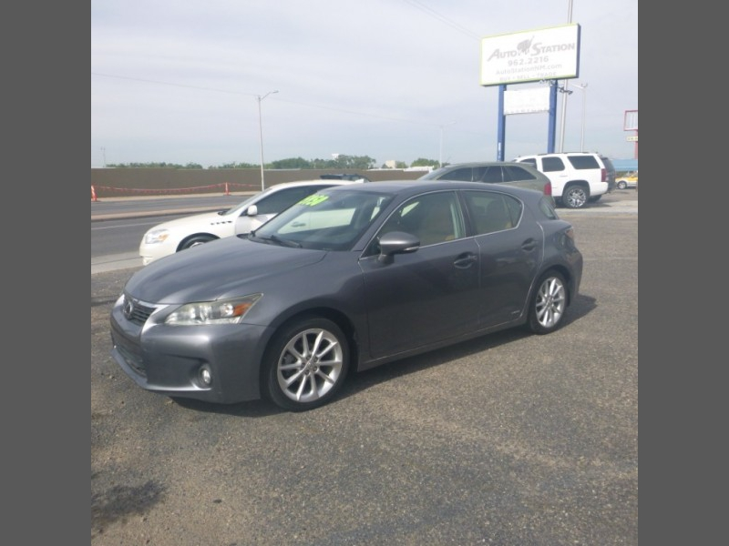 Lexus CT 200h 2013 price $16,950