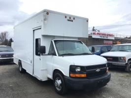 Chevrolet Express Box Truck 2004