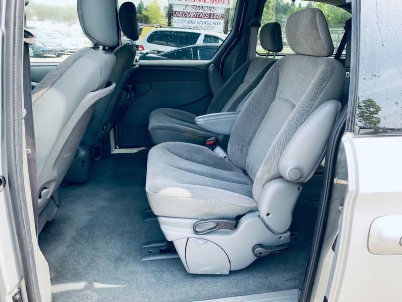 Dodge Grand Caravan 2004 price $3,900