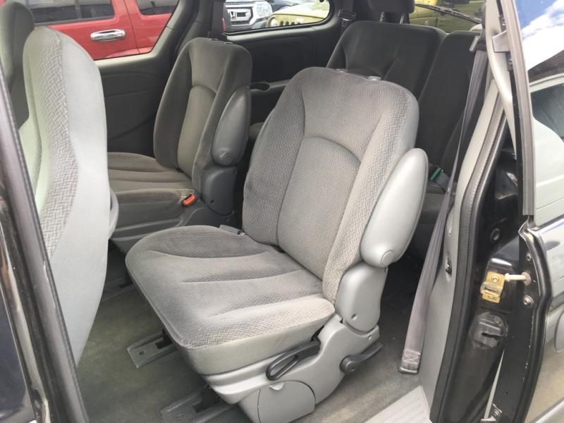 Dodge Grand Caravan 2005 price $4,900