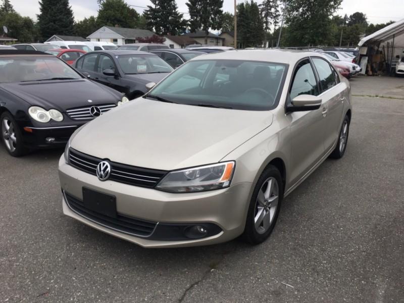 Volkswagen Jetta 2013 price $10,900