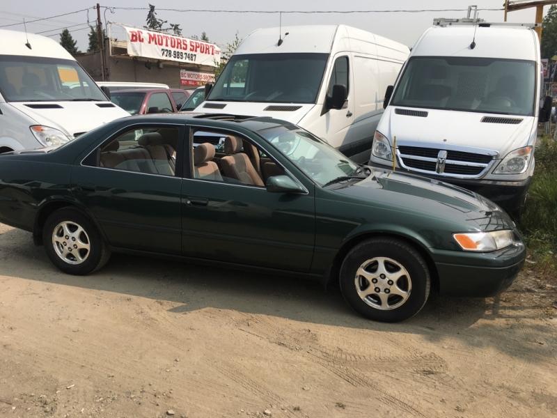 Toyota Camry 1999 price $2,500