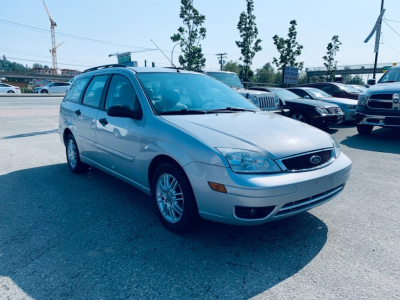 Ford Focus 2005 price $2,700