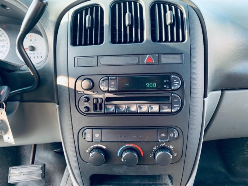 Dodge Grand Caravan 2005 price $3,900
