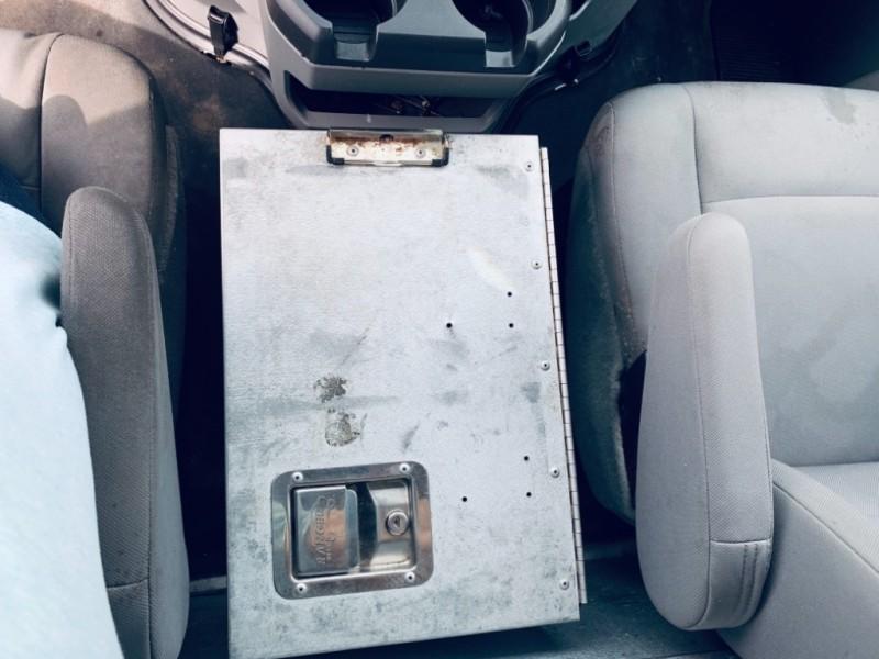 Ford Econoline Cargo Van 2011 price $10,900