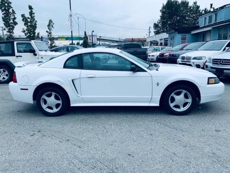 Ford Mustang 2002 price $3,900