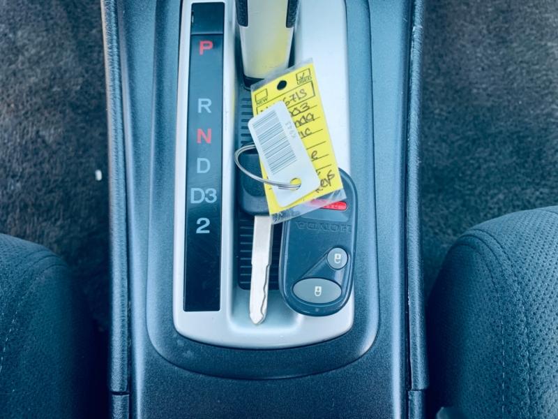 Honda Civic 2003 price $3,900