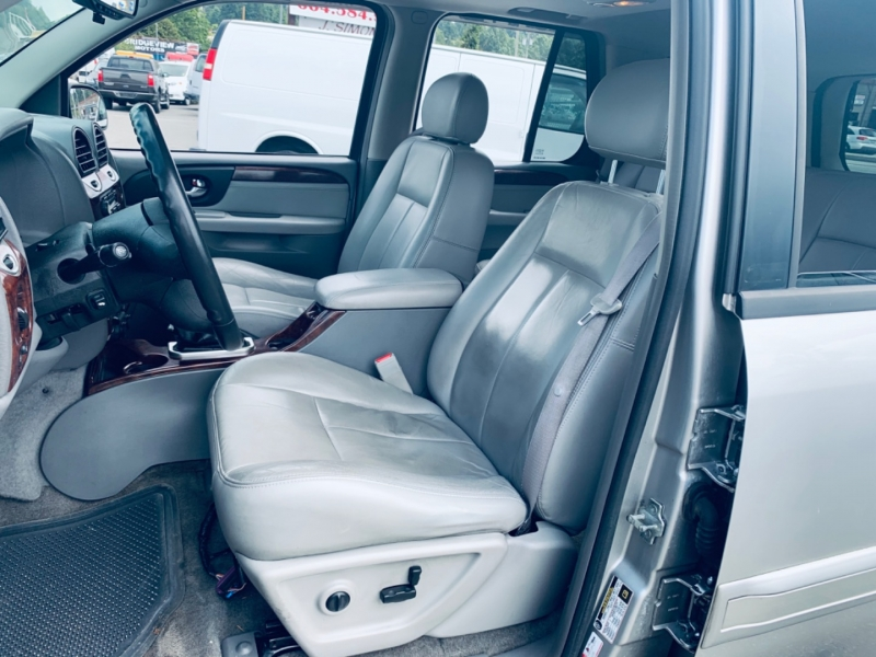 GMC Envoy 2005 price $5,700
