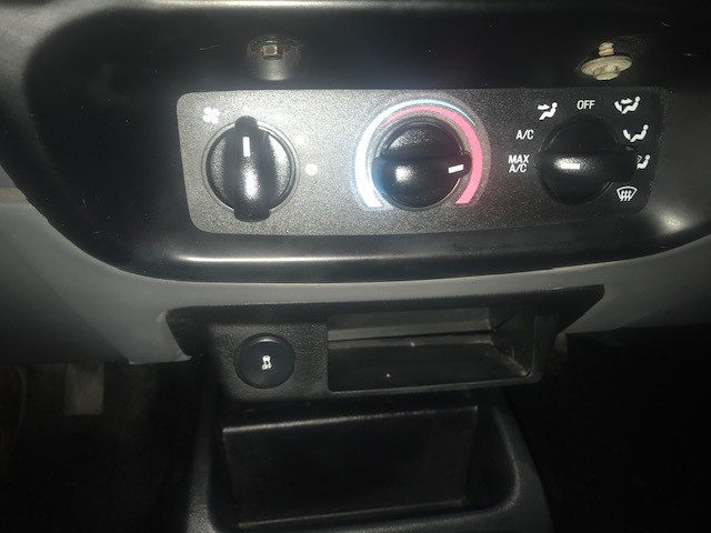 Ford Ranger 2011 price $4,599