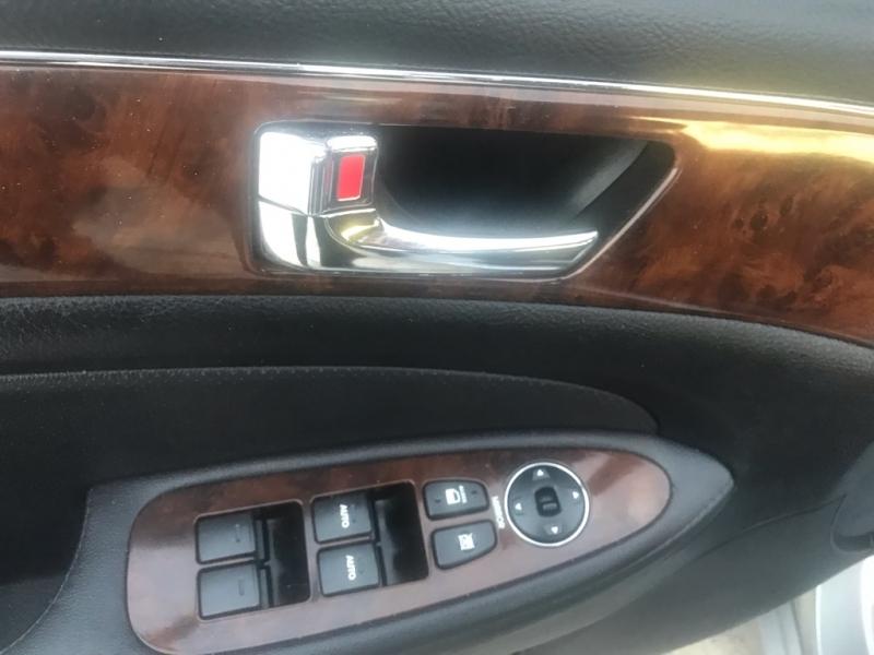 Hyundai Genesis 2011 price $6,599
