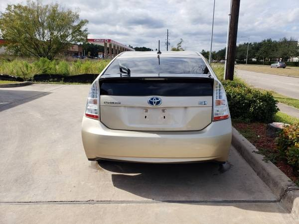 Toyota Prius 2010 price $4,899