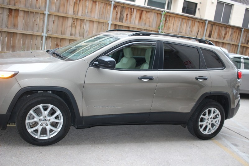 Jeep Cherokee 2016 price $11,499