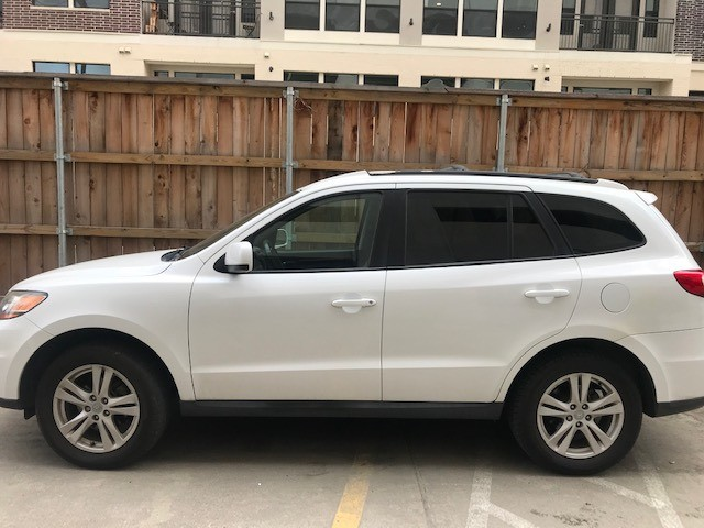 Hyundai Santa Fe 2011 price $5,799