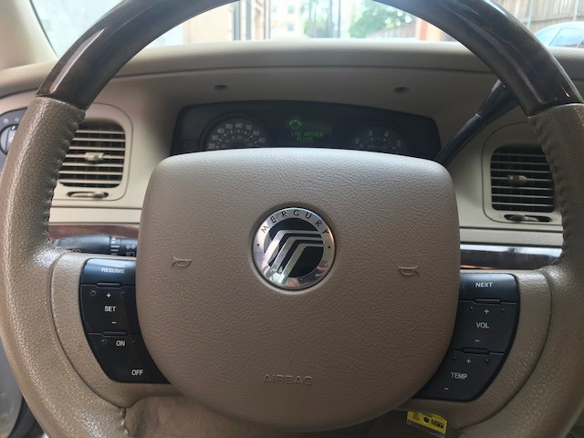 Mercury Grand Marquis 2006 price $4,499