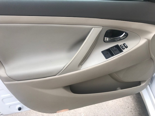 Toyota Camry Hybrid 2009 price $5,299