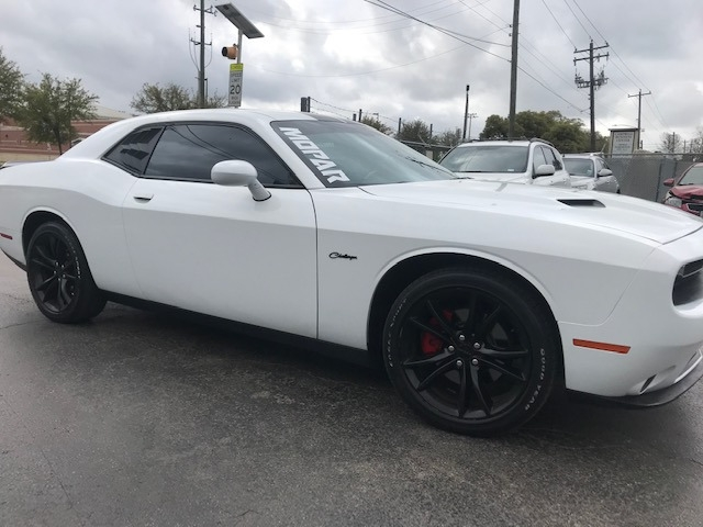 Dodge Challenger 2016 price $16,299
