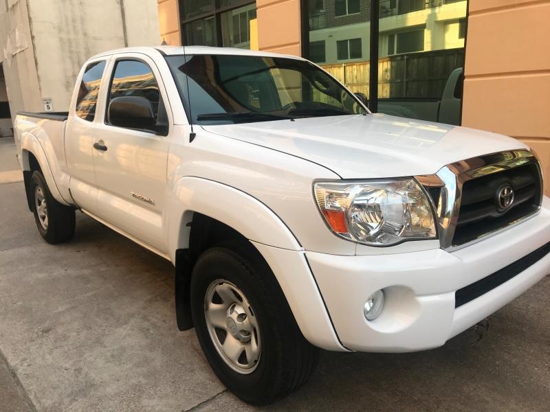 Toyota Tacoma 2008 price $8,999
