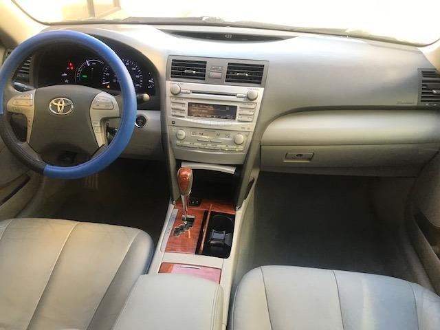 Toyota Camry Hybrid 2011 price $6,399