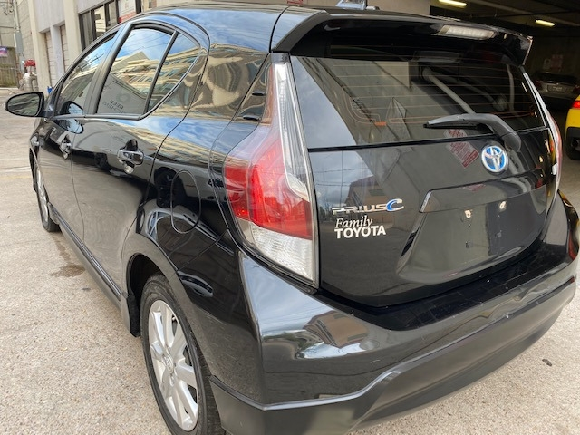 Toyota Prius c 2017 price $11,399