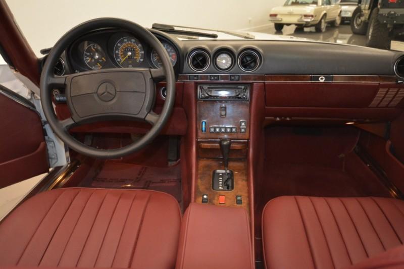 Mercedes-Benz 560 Series 1988 price $19,000