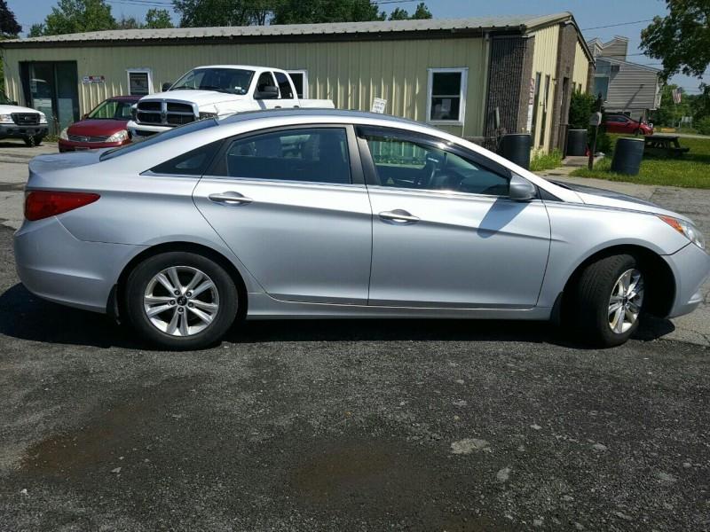 Hyundai Sonata 2011 price $7,495