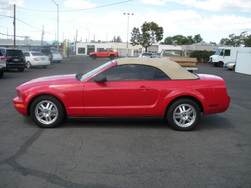 Ford Mustang 2007 price $8,299