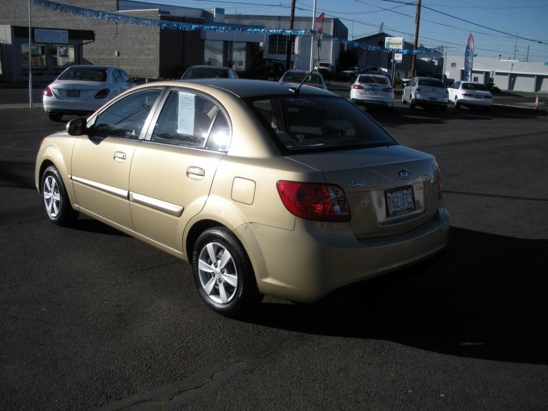 Kia Rio 2010 price $4,999