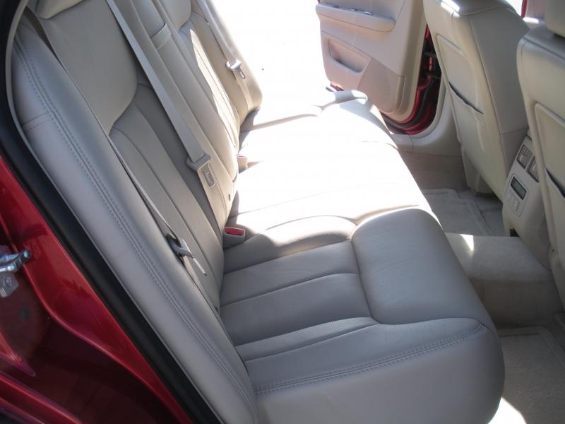 Cadillac DTS 2009 price $7,499