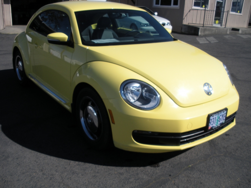 Volkswagen Beetle Coupe 2013 price $8,999