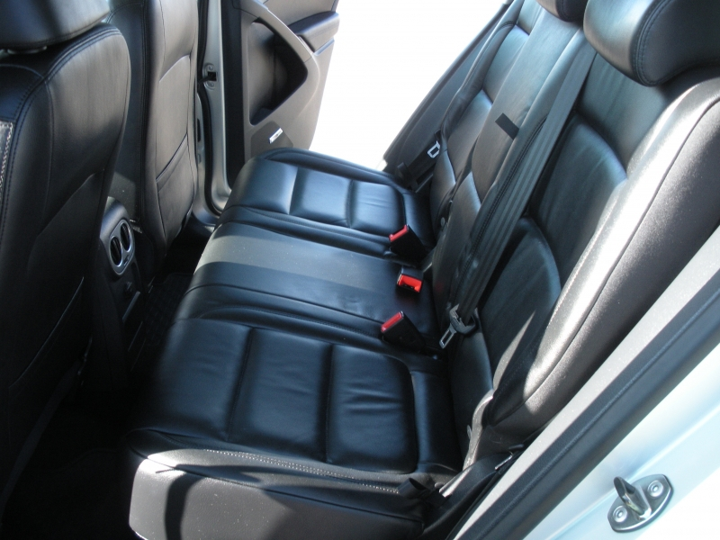 Volkswagen Tiguan 2011 price $9,999