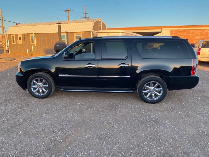 GMC YUKON XL 2011 price $15,975