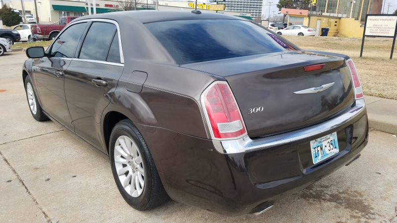 Chrysler 300 2012 price $9,500