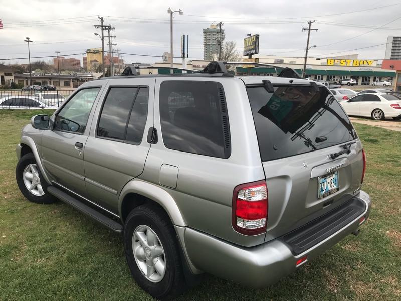 Nissan Pathfinder 2001 price $3,900