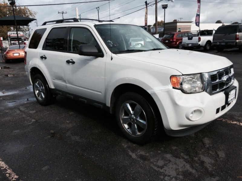 Ford Escape 2012 price $8,789